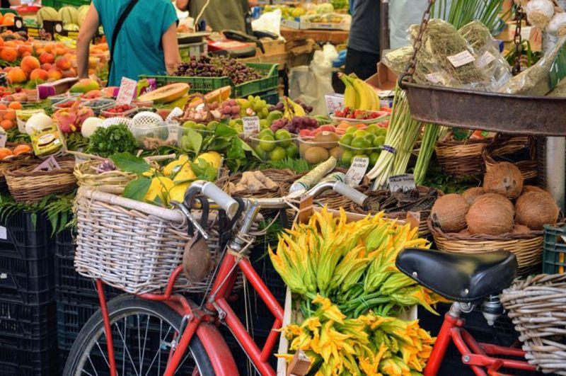 Sunday at the market